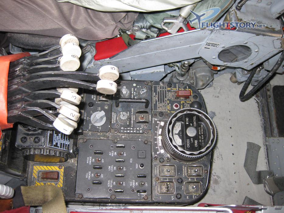 Boeing B-52 Stratofortress Cockpit Pedestal