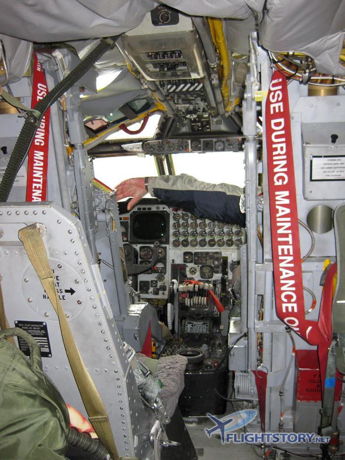 USAF Boeing B-52 Stratofortress Cockpit