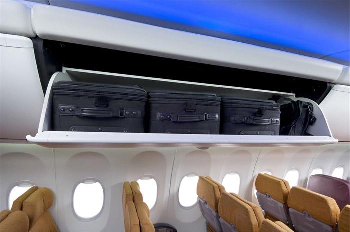 737 Boeing Sky Interior - Overhead Stowage Bins