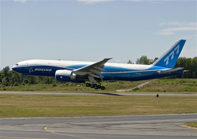 Boeing 777 Freighter First Flight