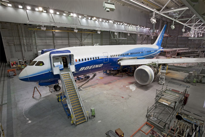Boeing 787 Dreamliner modification on side-of-body section