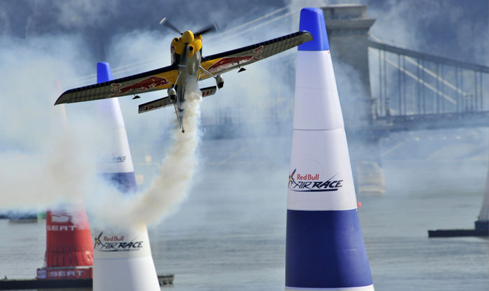 Red Bull Air Race Budapest Qualifying Peter Besenyei 2009